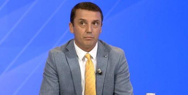 Gashi: Veseli takoi futbollistët e Kosovës për t'i motivuar, s'bëhet fjalë për fushatë