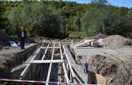"""Fillon ndërtimi i urës në rrugën e """"UÇK-së"""" në fshatin Marali të Malishevës"""