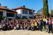 Fituesit e garave republikane vizitojnë Prizrenin