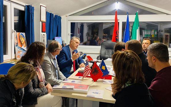 Koordinatori Hoti: Shansi i shqiptarëve për zhvillim është përmes arsimit