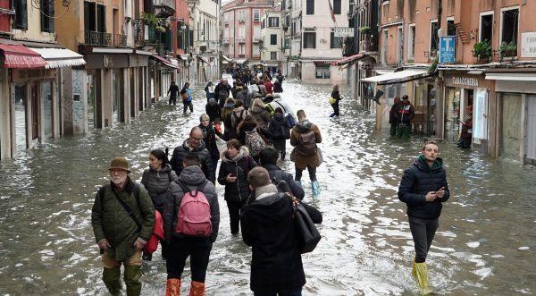 Venecia i kërkon ndihmë botës pas vërshimeve shkatërruese