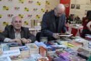 Besnik Mustafaj shpallet autori më i mirë i vitit