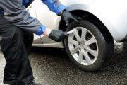 Dragash/ Dyshohet se shpërtheu gomat e veturës nga xhelozia, i dyshuari kërkon hudhjen e aktakuzës