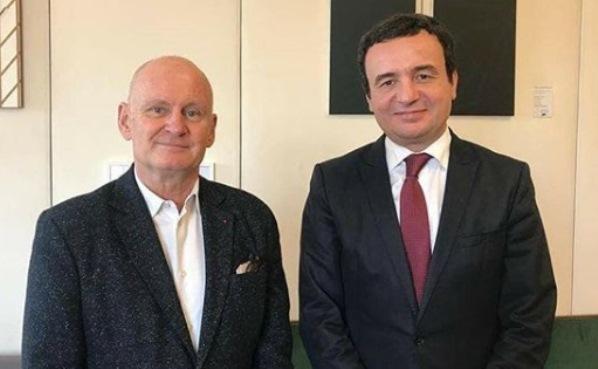Kurti takohet me nënkryetarin e bashkisë së Parisit – flasin për Prizrenin