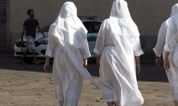 Fillojnë hetimet, si mbetën shtatzënë dy murgeshat?
