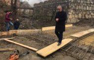 Muharremaj inspekton punimet në rregullimin e urave në fshatin Vraniq