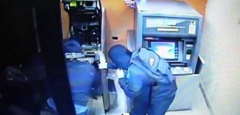 Rahovec, grabitet bankomati i një banke, dyshohen katër persona