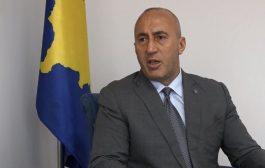 Haradinaj i bën thirrje Kurtit: Mos e largo taksën pa njohje