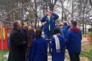 Suhareka stoliset nga nxënësit (VIDEO)