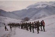 Eshaloni i UÇK-së në luftë me forcat armike të pritës dhe dimrin e acartë në Pashtrik