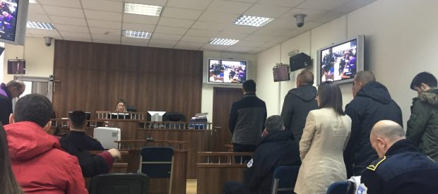 """Zyrtarët e Prizrenit mohojnë fajësinë për rrënimin aneksit te """"Abi Çarshia"""", pala e dëmtuar kërkon zgjerim të aktakuzës"""