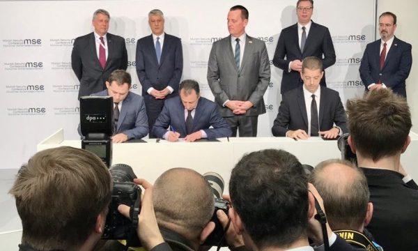 Ambasada amerikane në Berlin: Marrëveshjet e deritanishme Kosovë-Serbi lehtësojnë lëvizjen e njerëzve dhe mallrave
