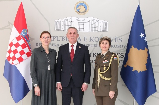 Ministri Quni priti në vizitë ambasadoren e Republikës së Kroacisë në Kosovë