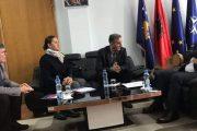 Latifi dhe përfaqësuesit e USAID-it diskutojnë për ngritjen e transparencës dhe llogaridhënies